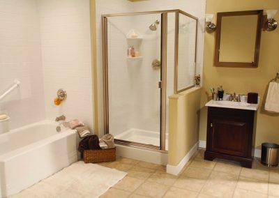 Classic White bath tub