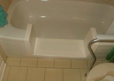 Walk through Insert for bathtub